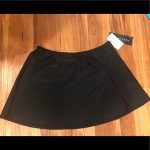 NWT La Blanca by Rod Beattie black swim skirt